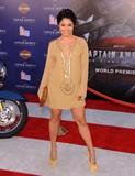 http://img292.imagevenue.com/loc128/th_47028_VanessaHudgens_CaptainAmericapremiere_Hollywood_190711_005_122_128lo.jpg