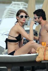 http://img292.imagevenue.com/loc195/th_311875596_Mischa_Barton_Bikini_Candids_on_the_Beach_in_Miami_December_27_2011_125_122_195lo.jpg