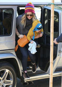 http://img292.imagevenue.com/loc347/th_289104139_Hilary_Duff_Western_Bagel_Studio_City2_122_347lo.jpg