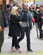 th_984837357_christina_aguilera_keeps_he