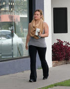 http://img292.imagevenue.com/loc447/th_027740768_Hilary_Duff_leaves_Starbucks1_122_447lo.jpg