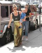 http://img292.imagevenue.com/loc448/th_516047193_Hilary_Duff_out_in_Hollywood3_122_448lo.jpg
