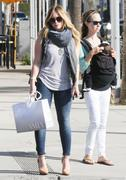 http://img292.imagevenue.com/loc478/th_453624434_Hilary_Duff_Out_Shopping_Beverly_Hills22_122_478lo.jpg