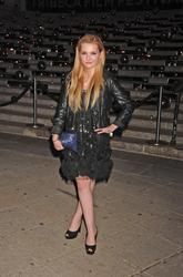 http://img292.imagevenue.com/loc532/th_139429992_AbigailBreslin_VanityFairParty_TribecaFF_270411_002_122_532lo.jpg