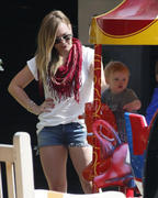 http://img292.imagevenue.com/loc560/th_669532435_Hilary_Duff_out_in_LA10_122_560lo.jpg